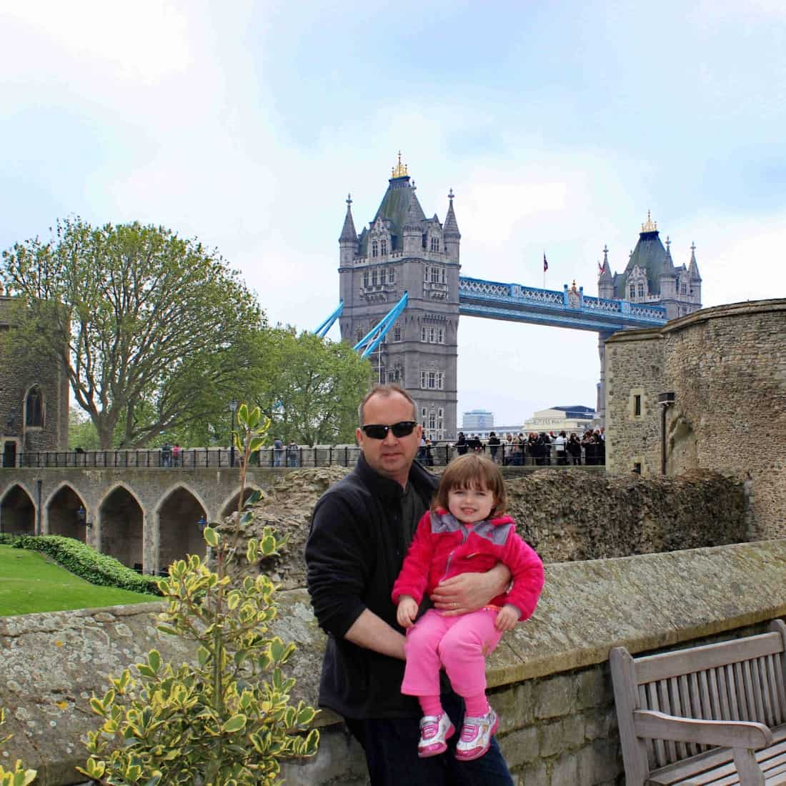 How to plan a family trip to Prague and London for under $1200