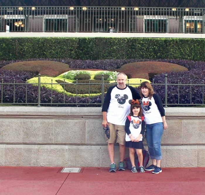 Matching Disney family t-shirts