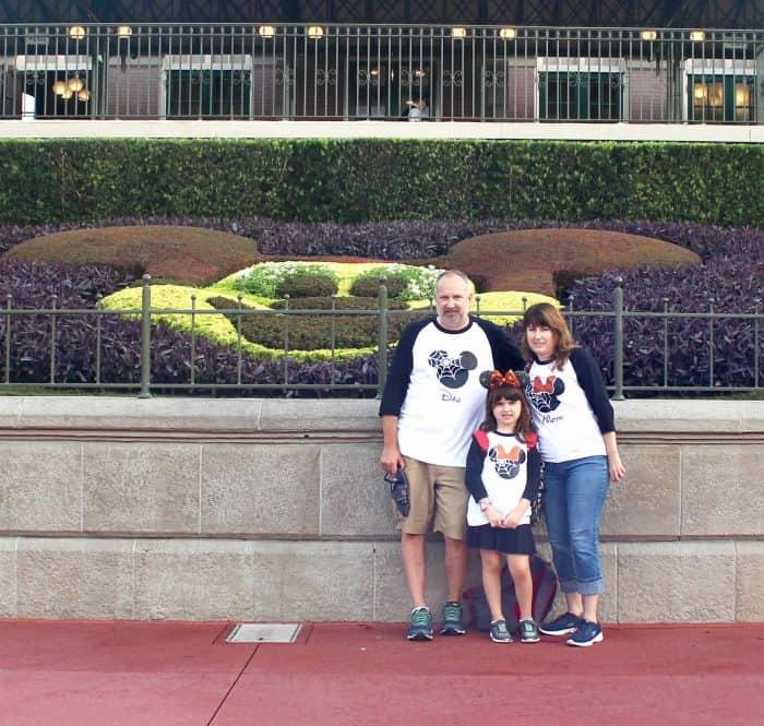 Matching Disney family t-shirts