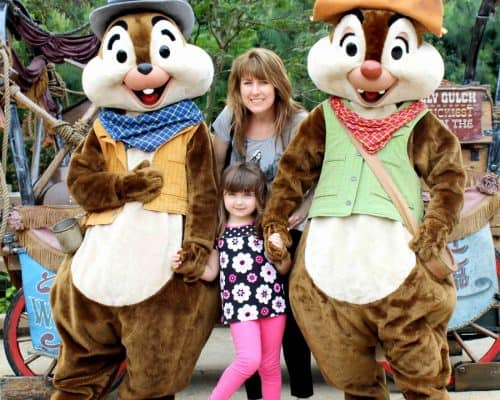 Hong Kong Disneyland Review with Chip and Dale
