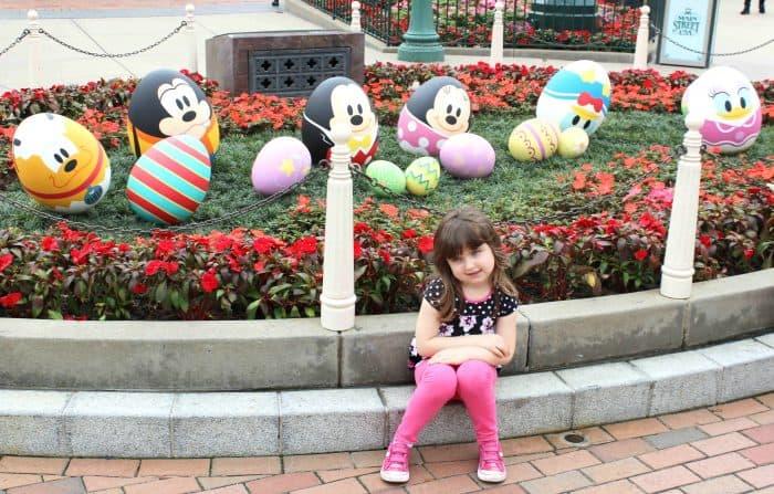 Hong Kong Disneyland Review - Easter eggs on Main Street