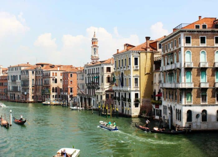 Italy travel tips - Venice and its canals - travel by boat