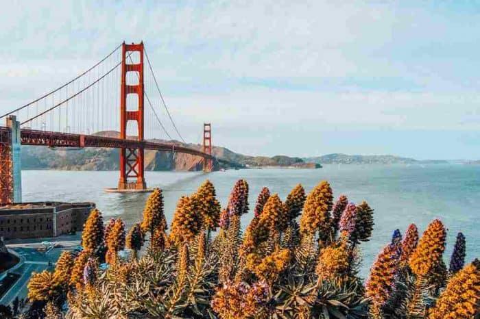The Golden Gate Bridge spanning the bay in San Francisco, California.