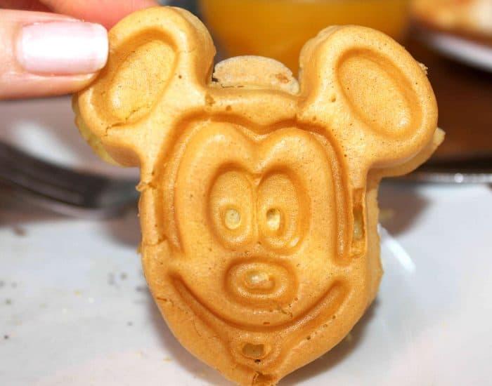 Ohana Character Breakfast Mickey waffle