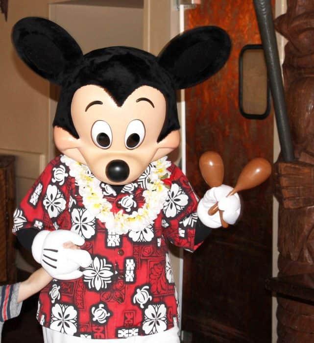 Ohana Character Breakfast Mickey with maracas