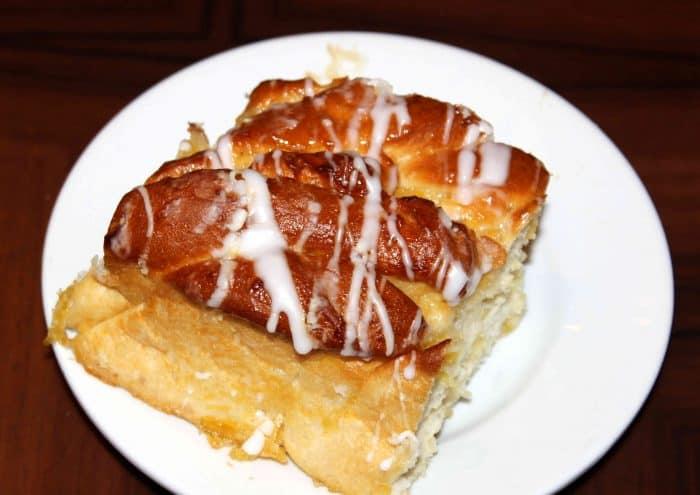 Ohana Character Breakfast pineapple roll